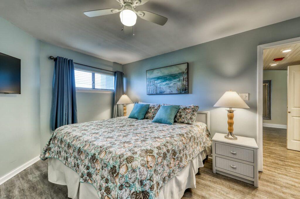302e bedroom