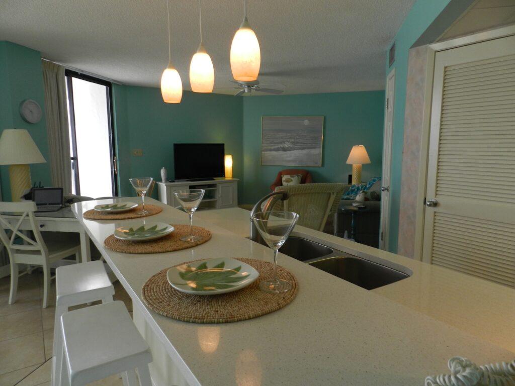 303W Kitchen