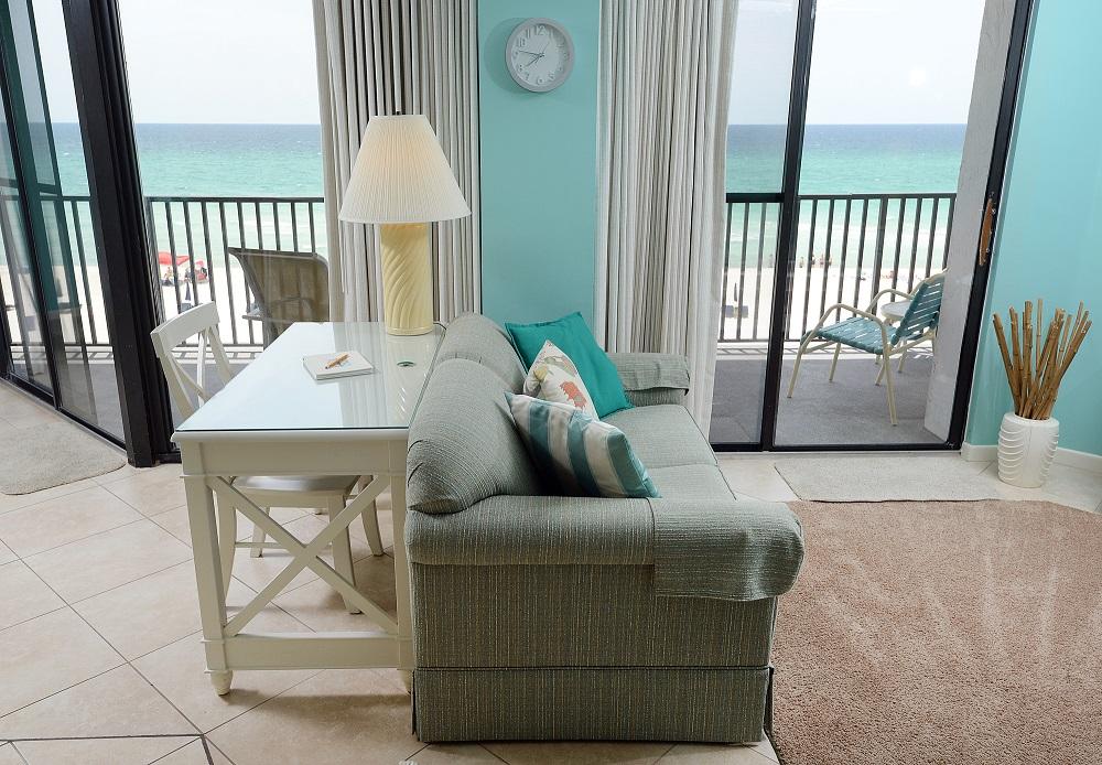 303W livingroom